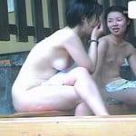 【風呂盗撮】盗撮 露天風呂① 自然の中で開放的に楽しむ娘達・・・。