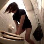 【小便盗撮】いたずらトイレ 便座のフタを超強力接着剤でくっつけたったw 3【悪戯盗撮】