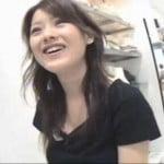 【胸チラ盗撮】ショップ店員の胸チラ乳首ゲット01
