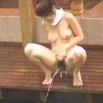 【小便盗撮】風呂場でおしっこする女たち【風呂盗撮】