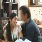 【SEX盗撮】人妻マジ口説き 子供好きの新婚妻を、自分の子供をエサにして口説き落とすてっぺんハゲのブサ中年