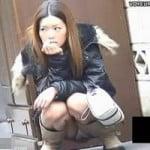 【パンチラ盗撮】渋谷某所にて イケてるギャルたちのパンチラ