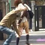 【悪戯盗撮】街中でスカートめくってパンツ剥いでみたよー!!【痴漢盗撮】