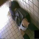 【オナニー盗撮】トイレ盗撮時に撮れてしまった衝撃映像 公衆便所でオナニーし始めた女子校生