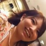 【パンチラ隠撮】笑顔が素敵なショップ店員のパンチラを余すところなく隠し撮り!