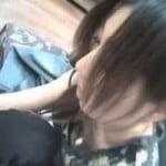 【胸チラ隠撮】微乳店員さんのモロ乳首 屈む度に乳首がコンニチワ☆
