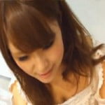 【胸チラ隠撮】お嬢様チックな顔立ち出で立ちな店員さんの胸チラパンチラ【パンチラ隠撮】