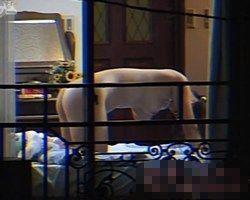 【オナニー隠撮】向かいのマンションでオナニーしてる巨乳な女の子を発見www
