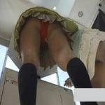 【パンチラ隠撮】プリクラ機ブース内に仕掛けられた隠しカメラ