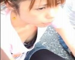 【胸チラ隠撮】必撮チクビっくりVol9-2ごく普通のお姉さんの胸チラ乳首撮り