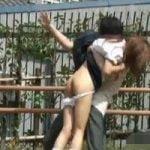 【悪戯隠撮】JK限定!悪ノリスカートめくり!パンツもめくってペンペン尻太鼓【痴漢隠撮】