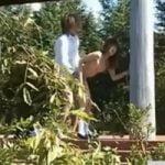 【青姦隠撮】真っ昼間の公園で全裸sexし始める学生カップルが大胆過ぎてワロシコタwwwww