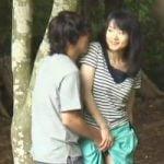 【青姦隠撮】白昼堂々と山林でパコるカップルを激写