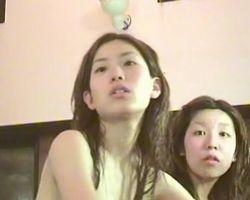【風呂隠撮】色白美女のちっぱいを横から撮影