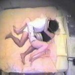 【SEX隠撮】ラブホ流出ビデオ 執拗な手マン攻撃で意地でも彼女を感じさせようとする男性
