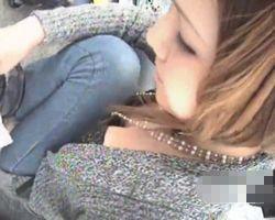 【胸チラ隠撮】美人ショップ店員たちの小ぶりな乳房 乳首チラもあるよ!