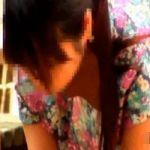【胸チラ隠撮】服の胸元がユルユルな無防備女達の前屈み胸チラ