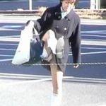 【パンチラ隠撮】足上げパンチラ 通学路に張られたロープを続々またいで行く女子校生たち