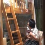 【オナニー隠撮】姉妹部屋隠し撮り 姉が起きたら即アウト!それでも止められない妹のオマンコいじり