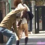 【悪戯隠撮】悪質スカートめくり!急襲パンツ剥きDASH!【痴漢隠撮】