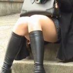 【パンチラ隠撮】セクシー生足ミニスカロングブーツ美女の股間を執拗に狙う!