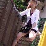 【小便隠撮】パニック野ション 突然の物音にビックリしてテンパりお漏らし!