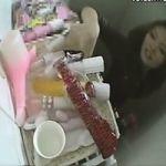 【オナニー隠撮】トイレエロどっきり! 「ご自由にお使いください」パブリックバイブとオカズエロ本が大量に積み上げられた公衆便所