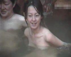 【風呂隠撮】露天風呂隠し撮り 湯乙女の花びら