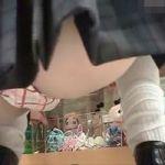 【パンチラ隠撮】買い物女子校生のしゃがみパンチラ クロッチがパンッパンwwww