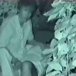 【青姦隠撮】青姦中のカップルをこっそり撮影 テンパって物音ばかり立てる撮影者が何度もバレかける…www