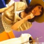【パンチラ隠撮】靴屋の美人ショップ店員さんに接客してもらってる間にガッツリパンチラ撮影