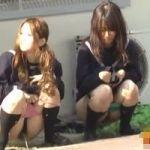 【小便隠撮】女子校生やらかし映像 もよおして来たらそこら辺でオシッコしーしーwww