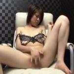 【オナニー隠撮】ビデオBOXオナニー ペチペチペチペチ!オマンコ高速タッピングオナニーwww