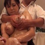 【マッサージ隠撮】乳腺マッサージ 執拗な乳首シゴきで母乳がタラリ【SEX隠撮】