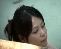 【風呂隠撮】絶景露天風呂 チャプチャプ気持ち良さそうに今にも寝そうなお姉さん