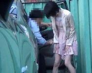 【小便隠撮】で、出ちゃった…ww スカートのままビチャビチャ!人前でやらかしちゃった女性たち