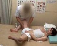 【マッサージ隠撮】専門用語を並べ立て患者を信用させつつ陰部をモゾモゾ… ゲス施術師の猥褻診療【SEX隠撮】