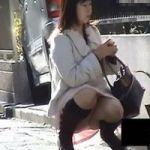 【パンチラ隠撮】ミニスカブーツパンチラのエロさは異常www
