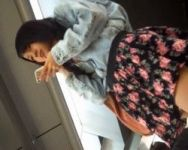 【パンチラ隠撮】これは上玉!スタイル抜群美脚美女を密着隠し撮り!