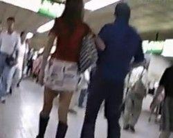 【パンチラ隠撮】彼氏がいてもお構いないしwスカート丈の短い女性を徹底尾行してパンチラ隠し撮り!