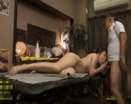【SEX隠撮】「えっ…?先生もう終わりですか!?」必要以上に性欲を煽られた人妻は、施術師が引くほどチンポを求めだす!