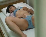 【オナニー隠撮】病室覗き 長期入院で溜まった性欲をこっそりオナニーで解消する女性患者は意外と多いらしい…