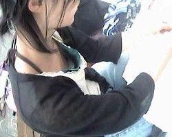 【胸チラ隠撮】フリマは意外とビーチクポロリの宝庫☆