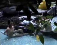 【風呂盗撮】女湯潜入!温泉女子会中の女の子たち