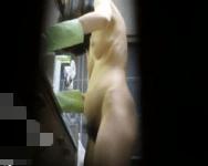 【脱衣盗撮】家では常時すっぽんぽんwwマン毛ボーボーJDの全裸生活