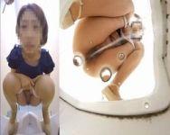 【小便盗撮】緊急回避!お漏らしギリギリ駆け込み便所 膀胱パンパンでトイレにやって来た女性たち
