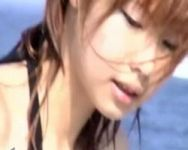 海水浴場はハプニングがいっぱいおっぱい!美少女の乳首ポロリの瞬間をカメラが捉えた!