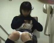 【オナニー隠撮】某大型ショッピングセンター女子トイレにカメラを設置!女子校生の排泄と一人エッチの隠し撮りに成功!