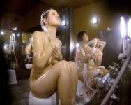 【風呂隠撮】お風呂セットにカメラを仕込んで女湯潜入!巨乳ちゃんの洗体を覗き見る