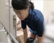 【脱衣隠撮】バックヤードに隠しカメラを設置!従業員の着替えの一部始終を丸撮り!